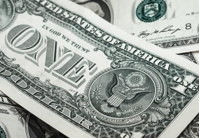 Хранить деньги в иностранной валюте.